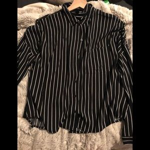 Long sleeve back white stripe button up